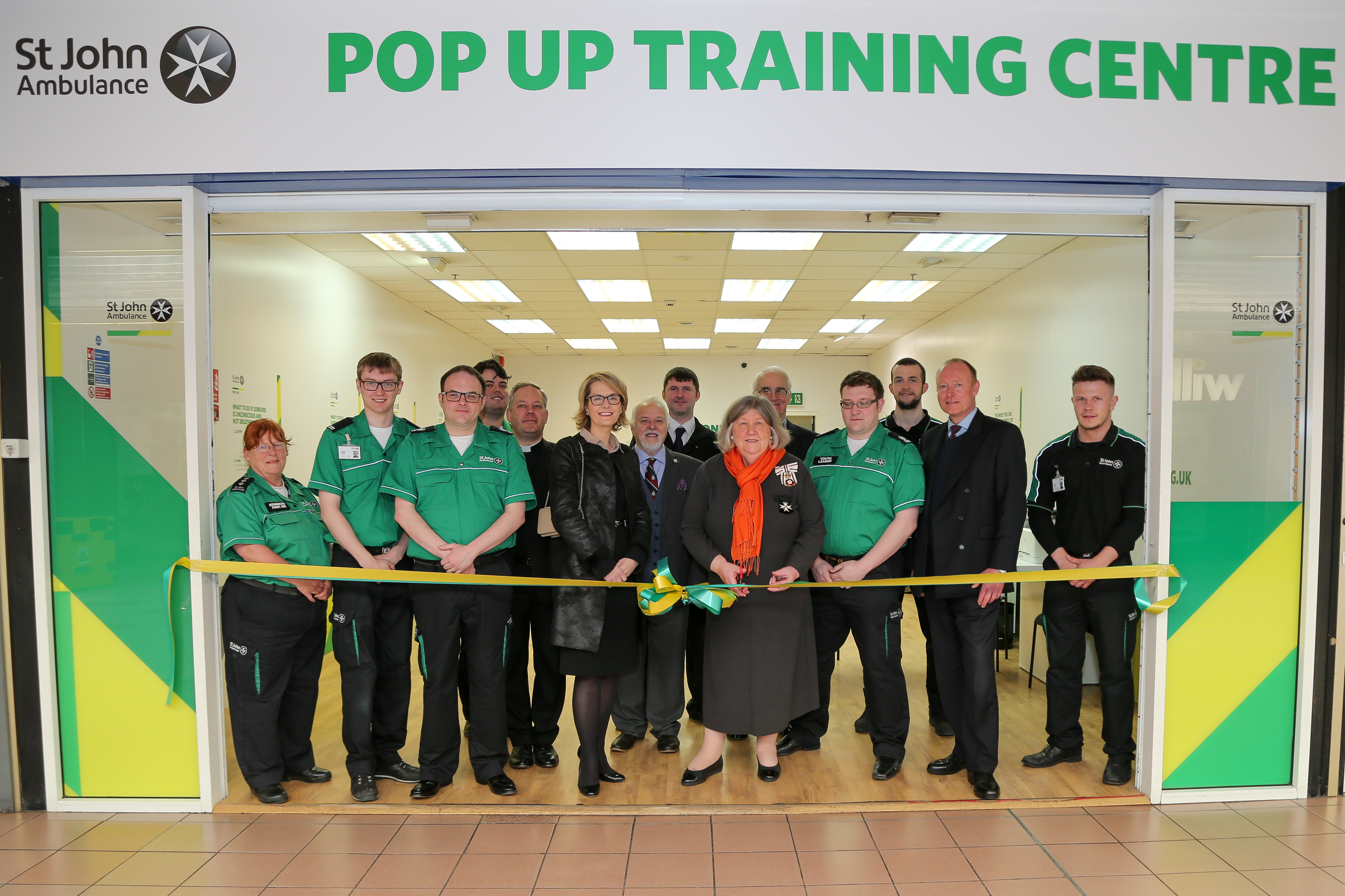 First aid post pops up at shopping centre
