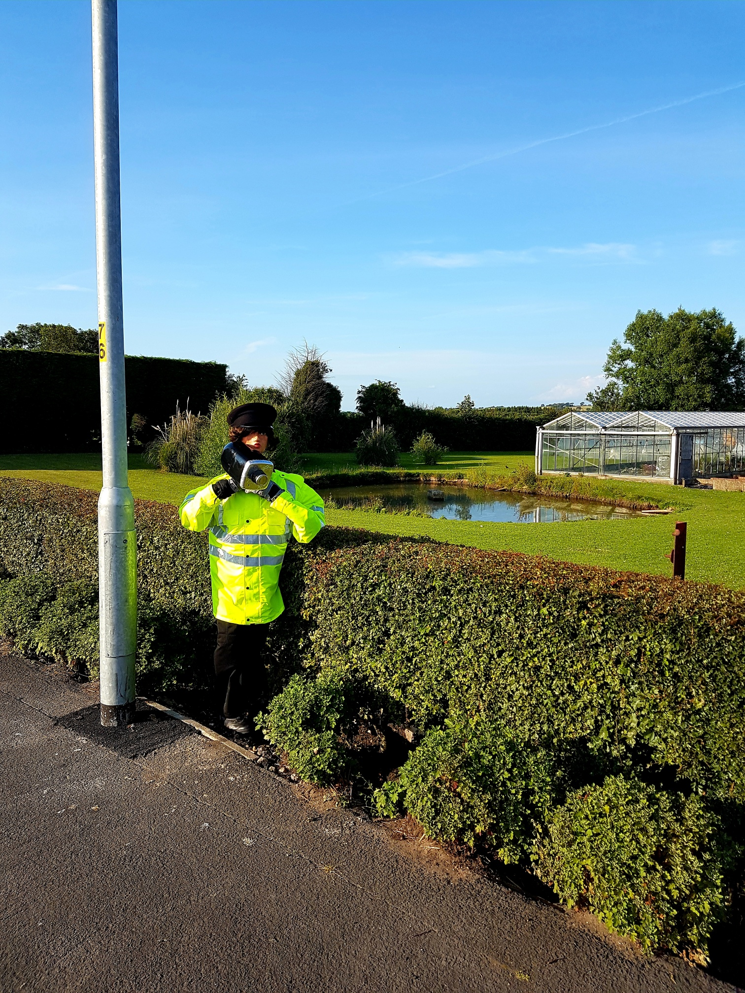 STONE THE CROWS! SPEED GUN 'OFFICER' SLOWS THE TRAFFIC