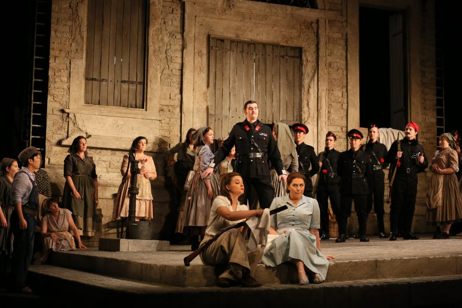 Glyndebourne Tour's production provided a 'light and amusing' opera