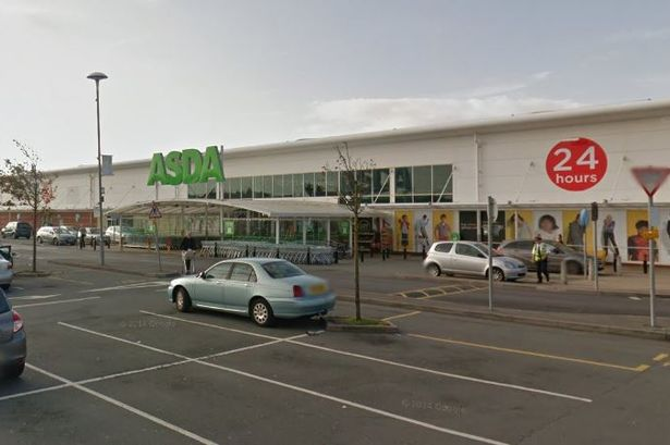 Hoax bomb threat at store was foiled by quick acting police officers, court told