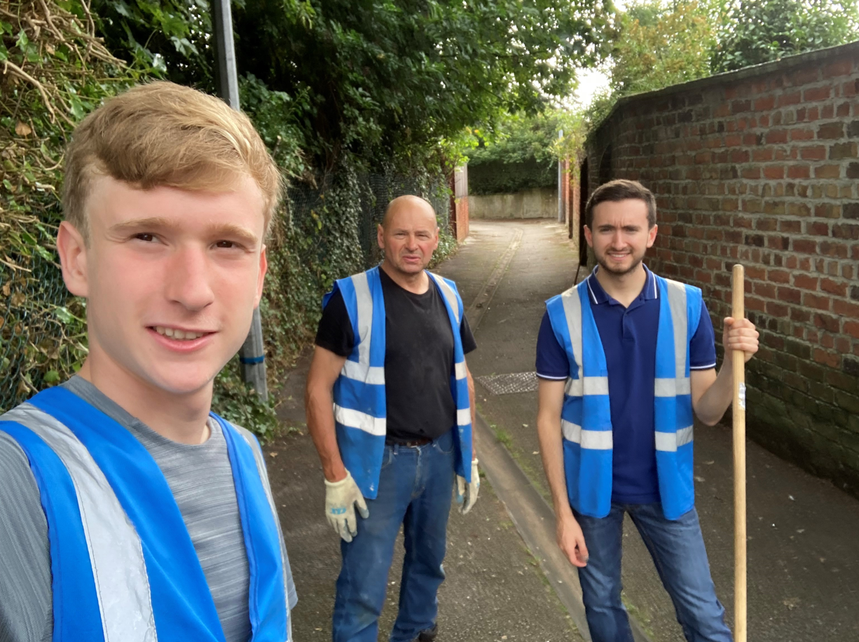 'Dark and dirty' alleyway cleaned up