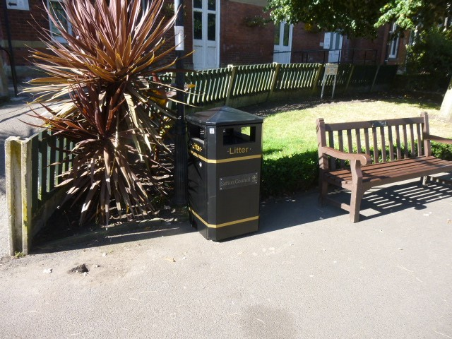 Bigger bins to ease litter problem at 'hotspot' areas across borough