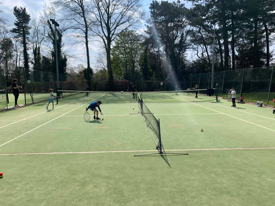 Court plan at Aughton Lawn Tennis Club recommended for approval by officers