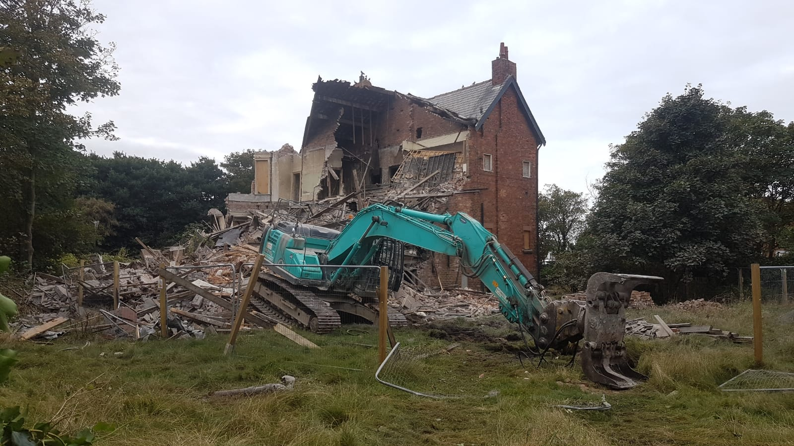 Anger after 'lovely house of character' is torn down