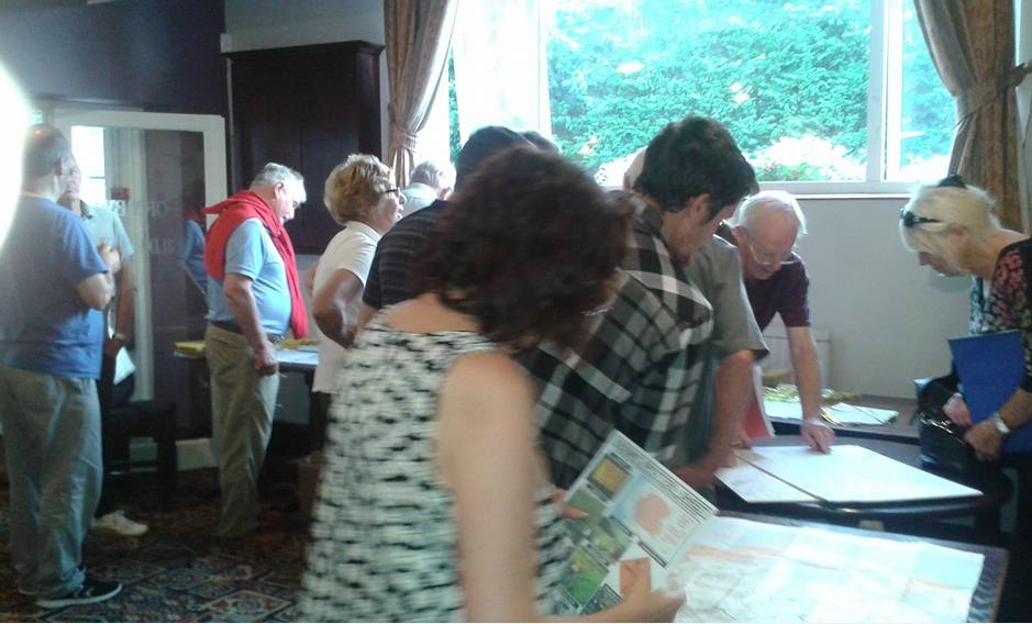 Residents join councillors at public meeting on fracking