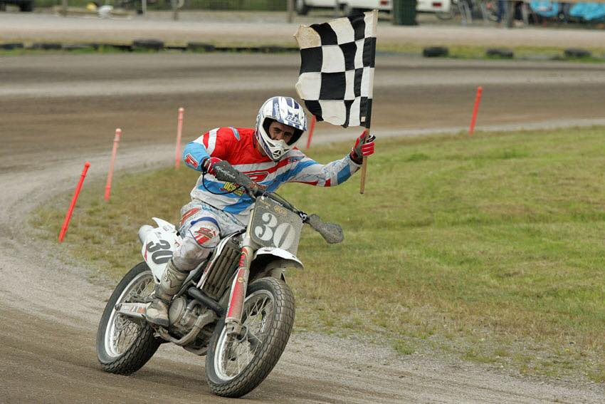 Alan dishes the dirt to win top national title!