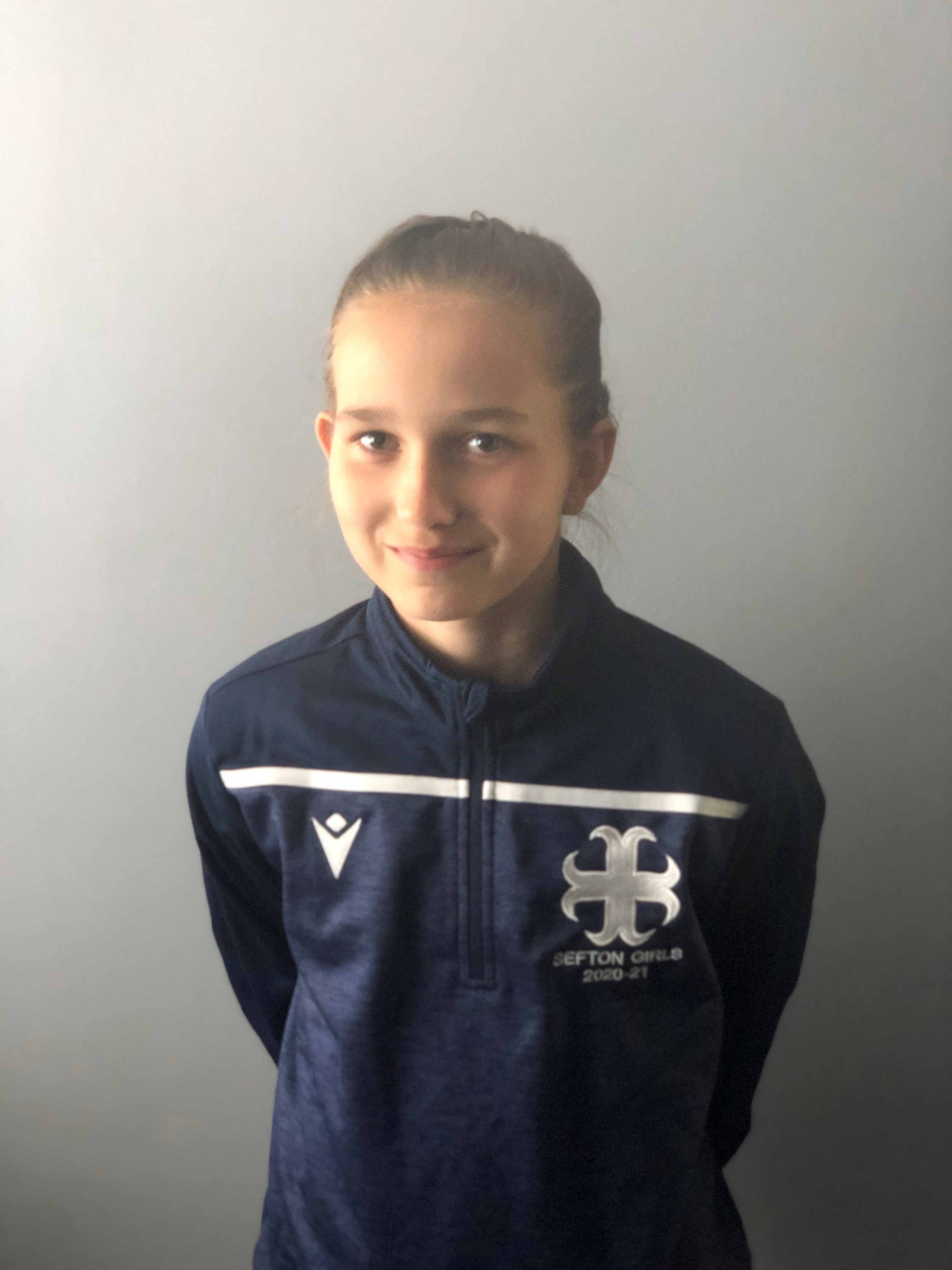 Ellie aims to be the 'best goalkeeper in the world' after signing for Man City