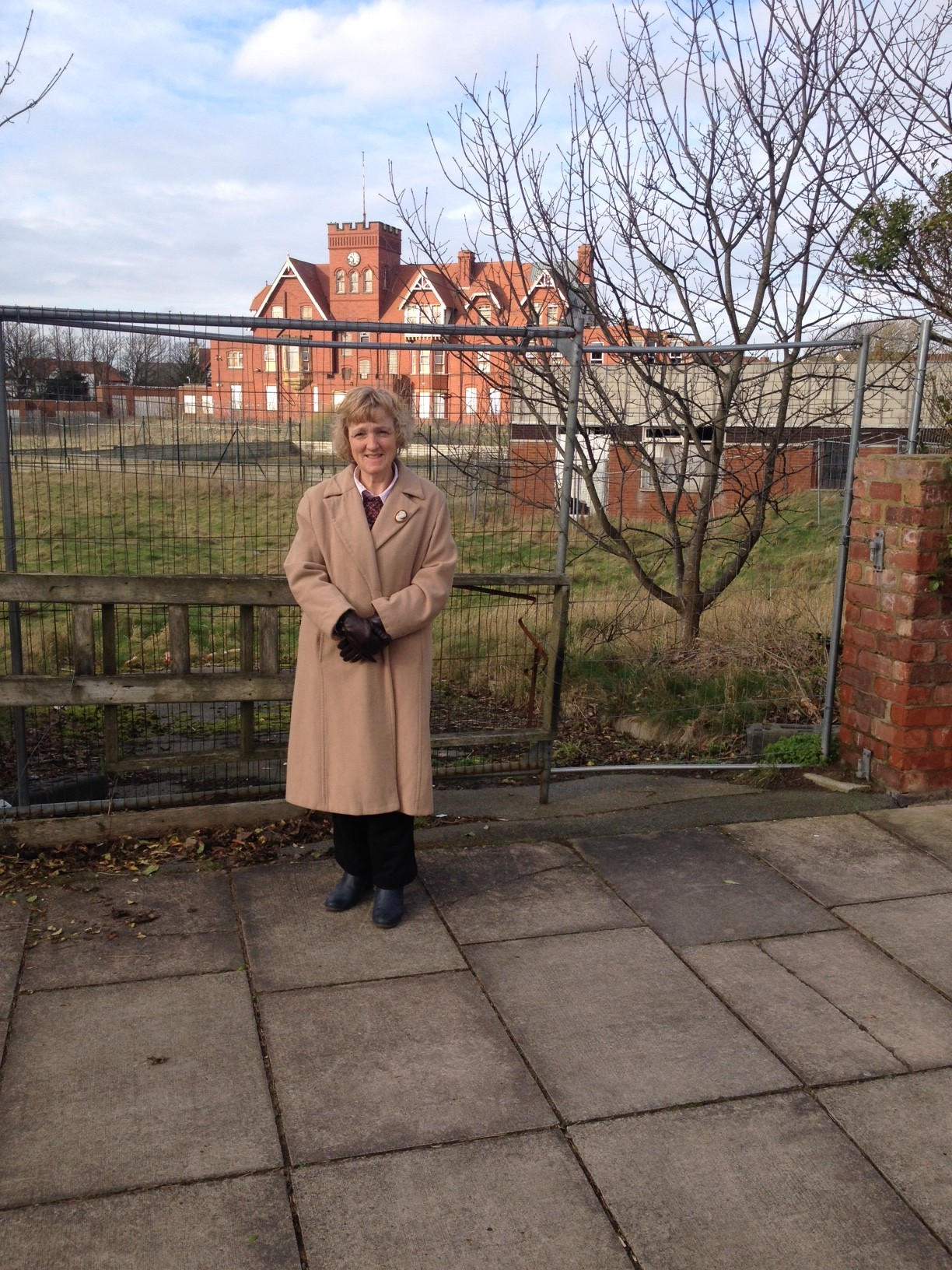 Residents angry over deaf school stalemate
