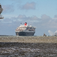 Queen Mary 2 leaves and Queen Victoria comes along